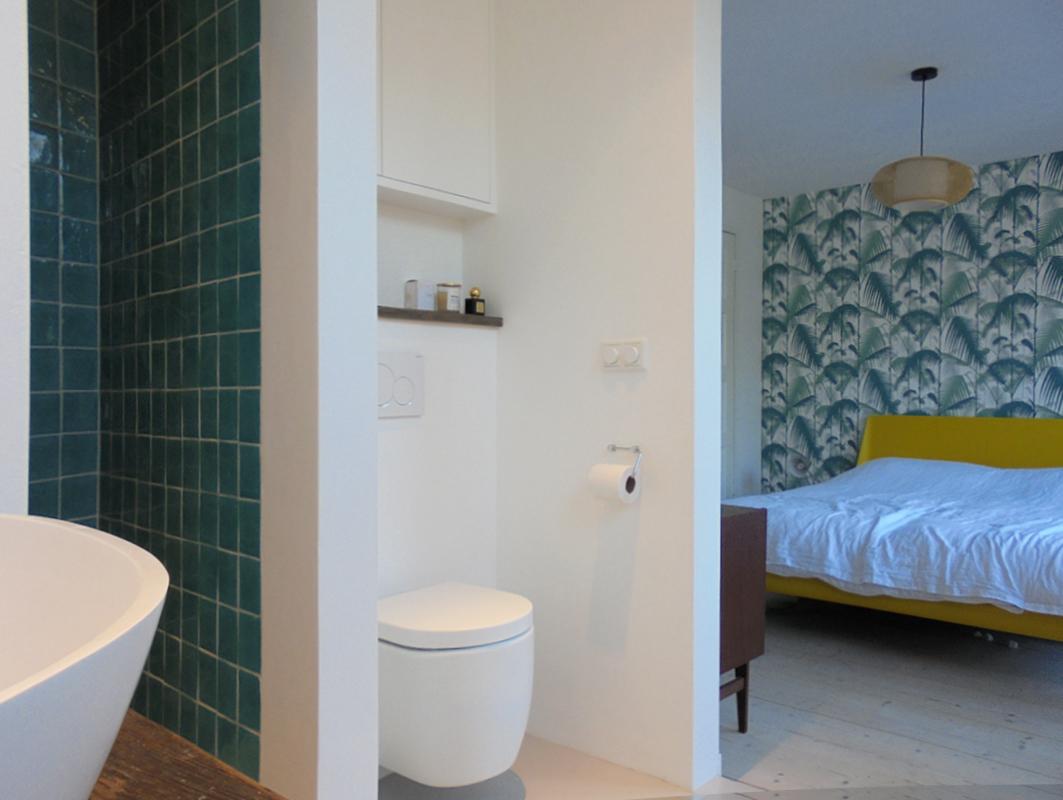 Relaxruimte; slaapkamer, badkamer en suite